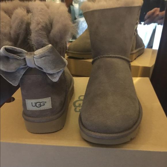 509f305d59e Authentic Uggs Grey Bailey Bow NIB Size 8 NWT